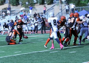 Riverside City College kicker Tyler Rausa kicking the ball against El Camino College on Oct. 13. (Photo by Luis Solis)