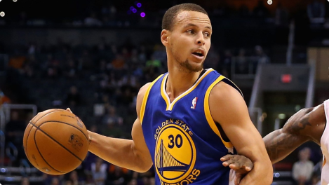 Curry-backing-down-defender